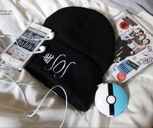 5sos, music, and beanie image