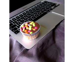 air, apple, and cupcake image