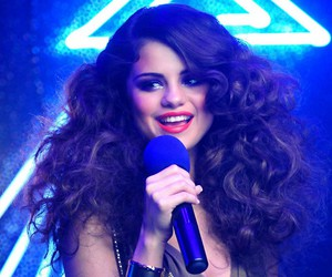 selena gomez and love you like a love song image