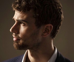 theo james, insurgent, and divergent image
