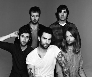 maroon 5, band, and adam levine image