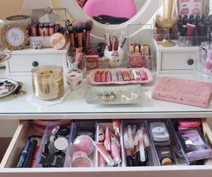 home decor, girly bedroom, and summer makeup image