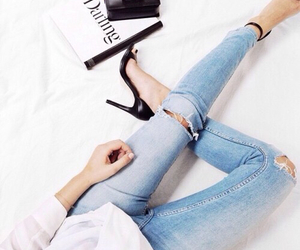 beauty, outfit, and ripped jeans image