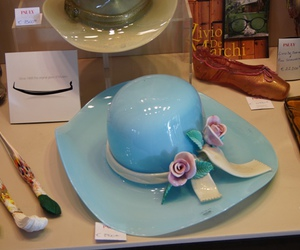 hat and venetian glass image