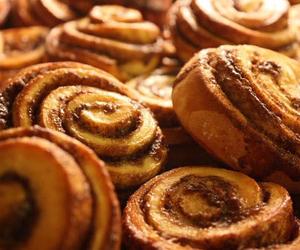 food, Cinnamon, and yummy image