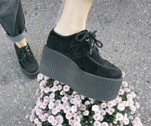 grunge, shoes, and creepers image