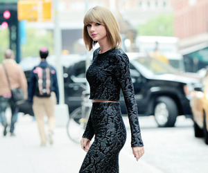 beautiful, candid, and Taylor Swift image