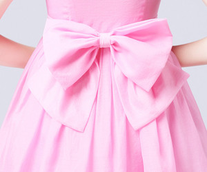 pink and bow image