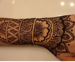 henna, tattoo, and flower image