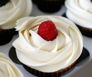 food, cupcake, and cream image