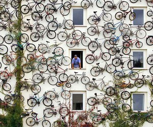 bike, wall, and bcyicle image