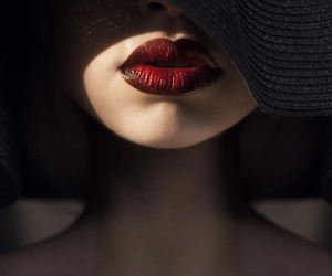 lips, red, and hat image