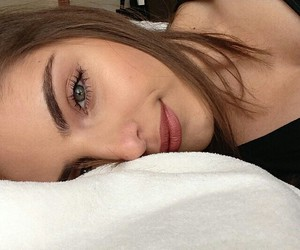 bed, makeup, and tumblr image