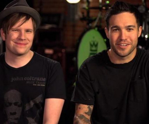 pete wentz, that smile, and fall out boy image