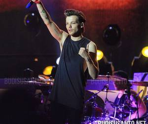 otra, one direction, and louis tomlinson image