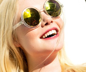 Elle Fanning, fashion, and happy image