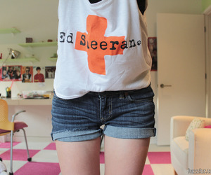 ed sheeran, shorts, and t-shirt image