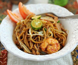 eat, food, and noodles image