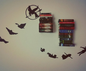 books and peter pan image