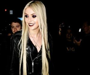 adorable, smile, and Taylor Momsen image