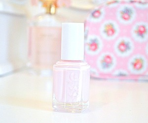 nail polish, essie, and pink image