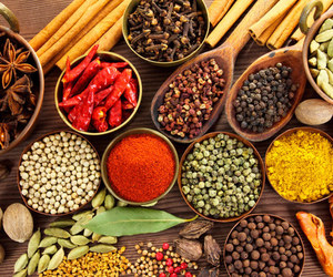 Cinnamon and spices image