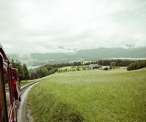 green and train image