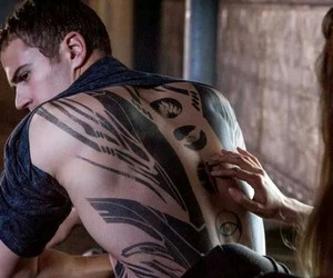 couple, divergent, and dauntless image