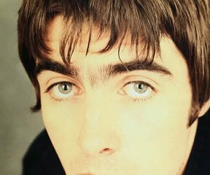 liam gallagher, oasis, and beady eye image