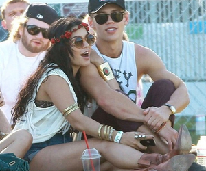 couple, celebrity, and vanessa hudgens image