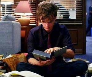 books, criminal minds, and matthew gray gubler image