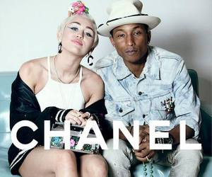 miley cyrus and chanel image