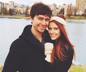 couple, reign, and torrance coombs image