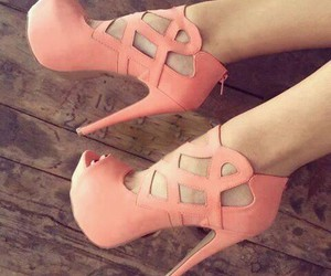 beauty, heels, and pink image