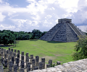 mexico and chichen itza image