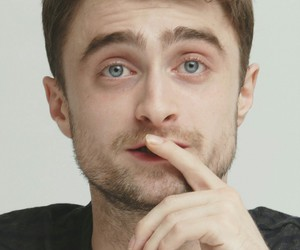 daniel radcliffe and tree image