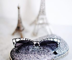 eiffel and sunglasses image