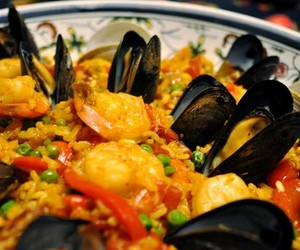 spain and paella image