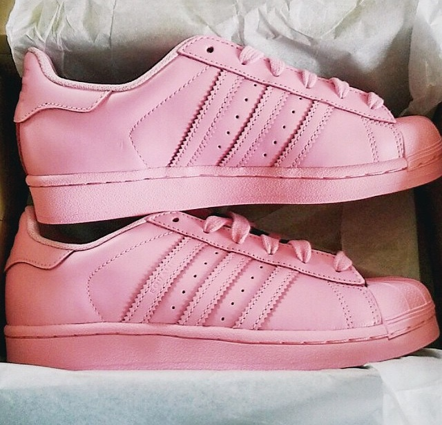 ljusrosa adidas superstar