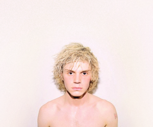blonde, boy, and evan peters image