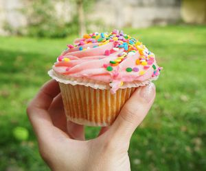 cupcake, food, and pink image