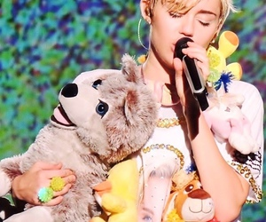 miley cyrus, floyd, and Queen image