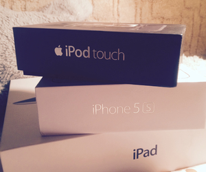 ipod touch, ipad2, and iphone5s image