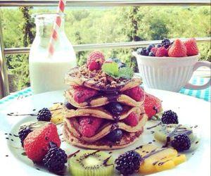 breakfest, raspberry, and fruit image