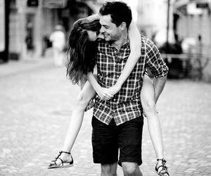 amoureux, heureux, and garçon portant une file image