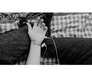 earphones, life, and musik image