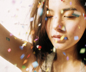 closed eyes, confetti, and arena homme plus image