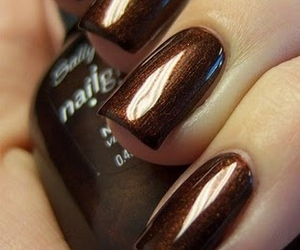 brown, glitter, and nails image