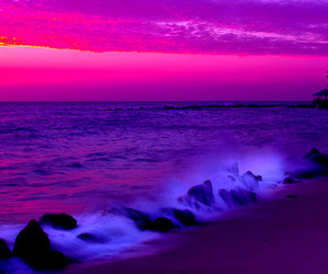 ocean and pink image
