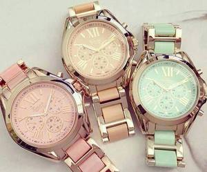 beige, rose, and montres image
